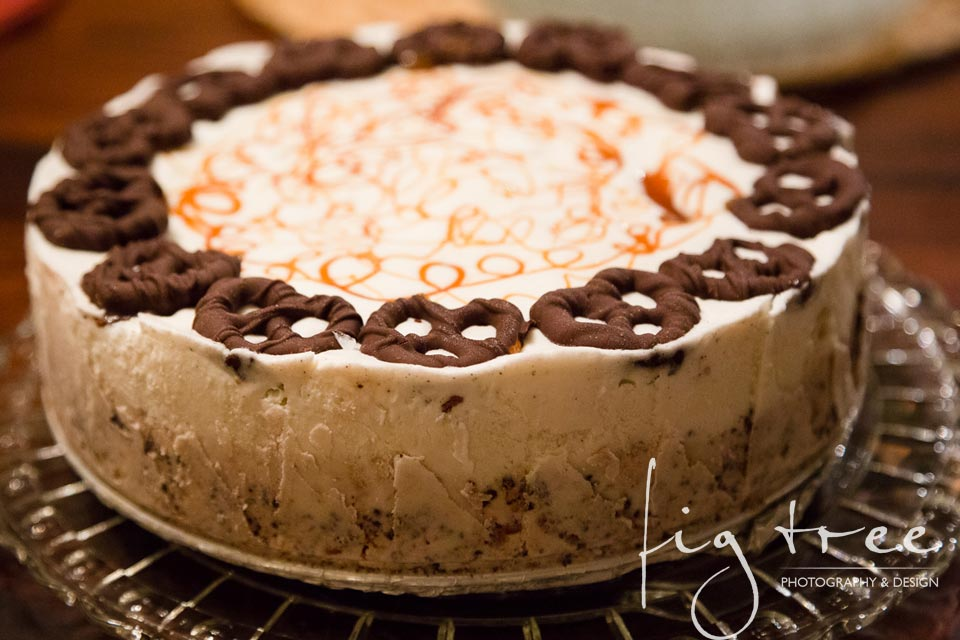 Pretzel ice cream cake